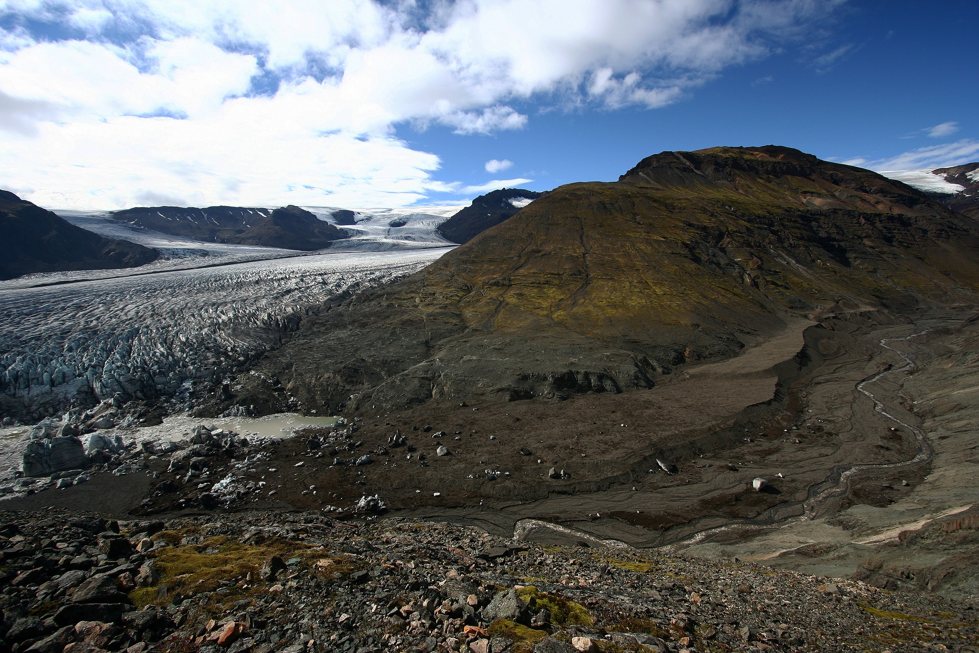 Heinabergsjökull outlet glacier and the ice-dammed lake of Vatnsdalur 2007.